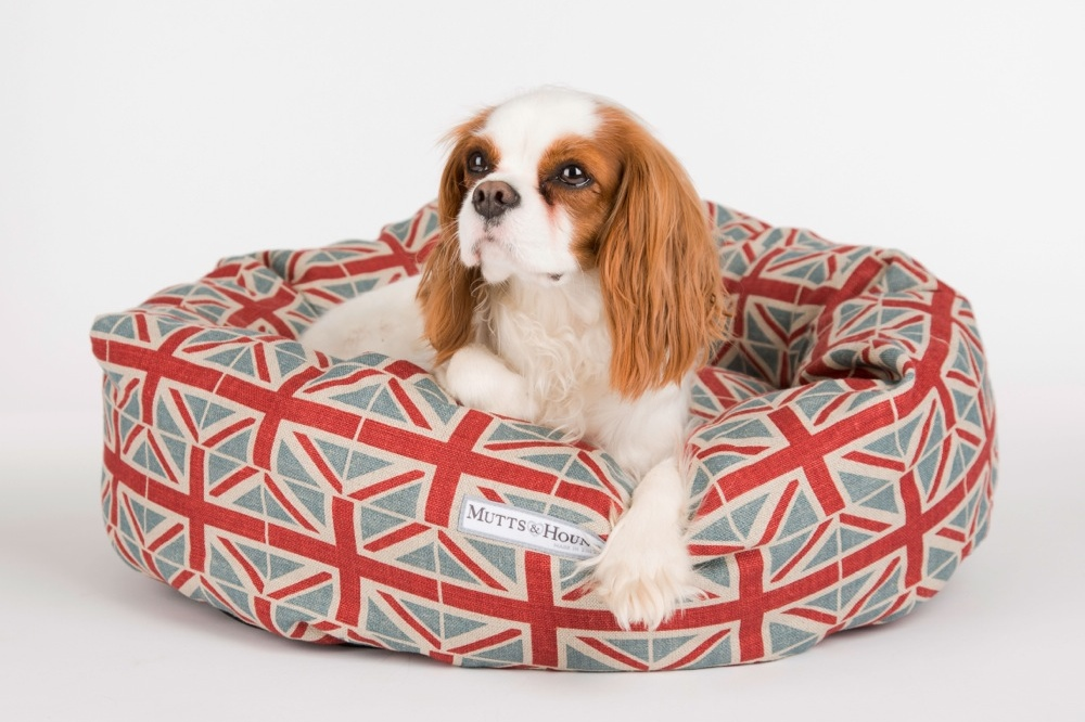 Mutts & Hounds Donut Dog Bed in Emily Bond Union Jack.