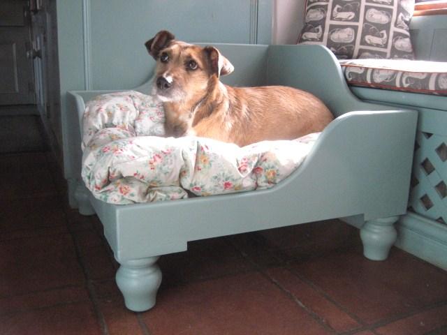 Luxury Raised Wooden Corner Raised Dog Beds