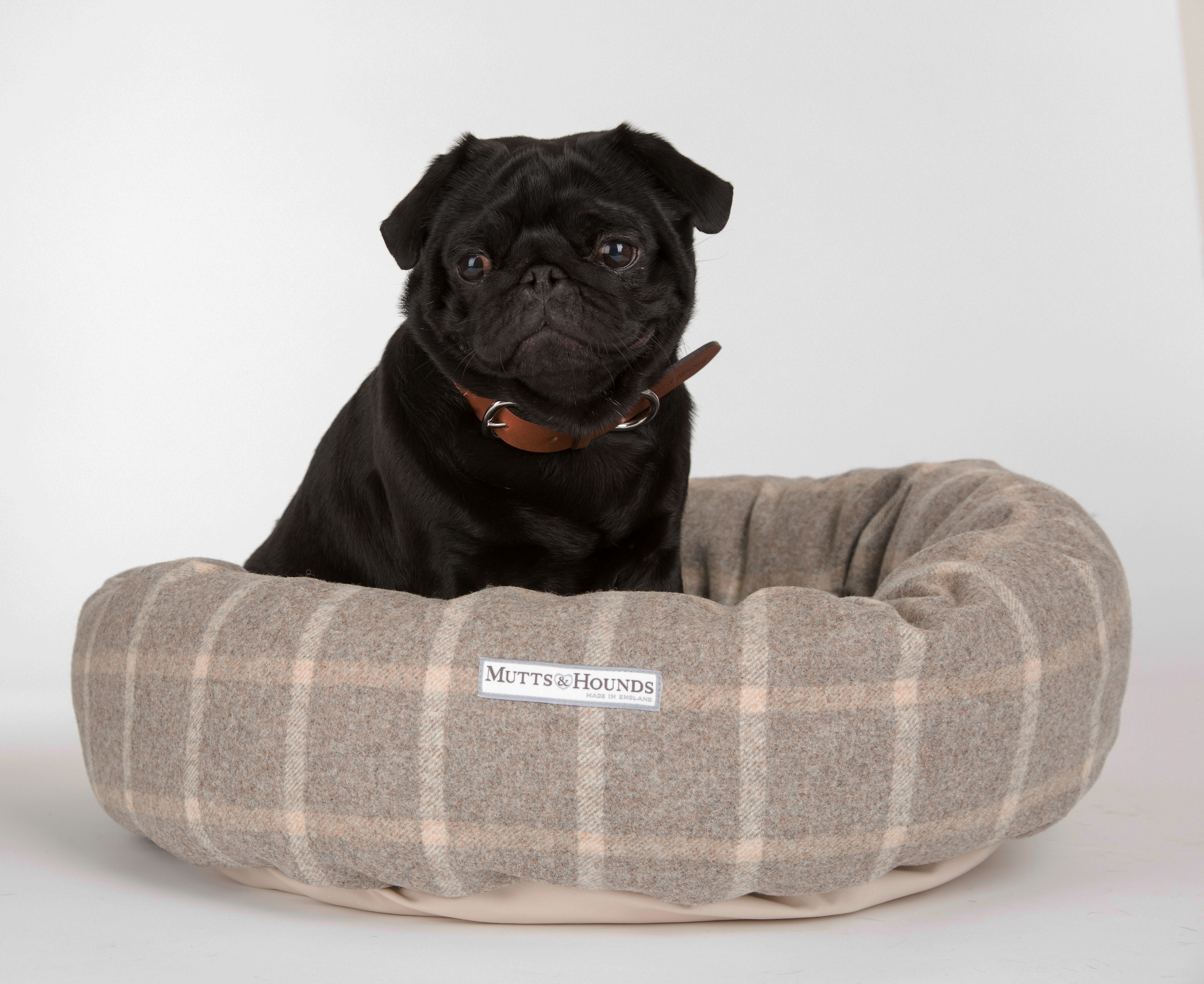Mutts and Hounds Slate Tweed Donut Dog Bed