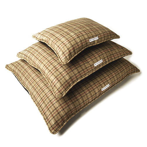 Mutts and Hounds Luxury Balmoral Tweed Pillow Dog Beds