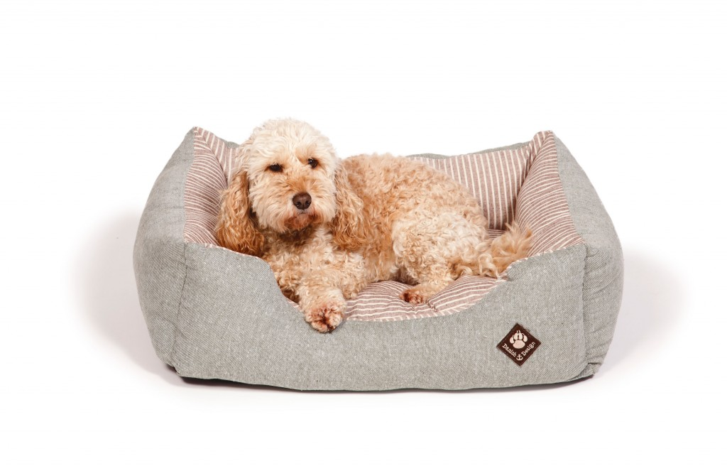Maritime Green Snuggle Bed with Dog