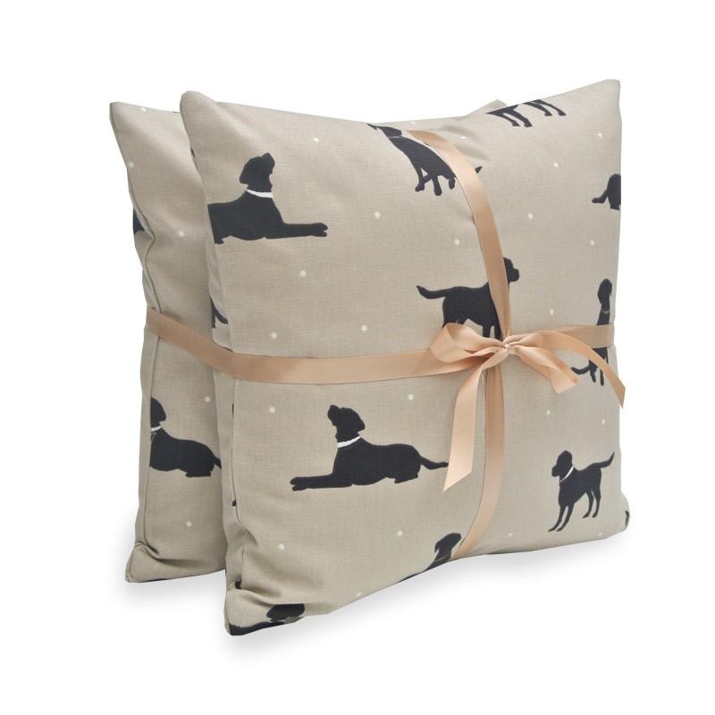 Hugo & Hennie Rover Set Of 2 Cushions