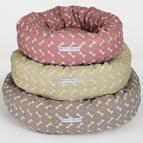 mutts_and_hounds_bones_linen_donut_dog_beds_3_1