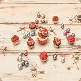 8 Mini Christmas Cupcakes For Dogs by Molly's Patisserie